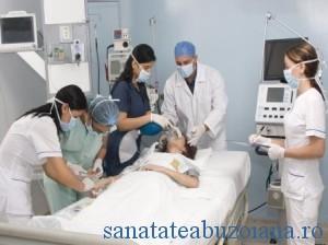 medici spital pacient elias