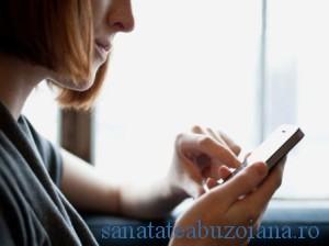"""Durerile de maini si incheituri, asociate cu """"butonarea"""" telefoanelor mobile"""