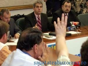 Ministrul Nicolaescu vrea noi consultari