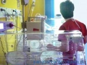 maternitate incubator bebe
