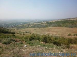 Dealul din zona Tezaurului
