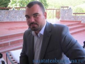 Farmacist Razvan Prisada