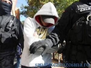 Dealeri droguri arestati