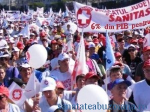 5.000 de cadre medicale protesteaza in strada