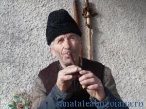 """Mircea Micu ureaza romanilor """"La multi ani!"""