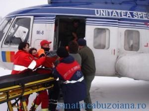 bolnav salvat de elicopter prin nameti (4)