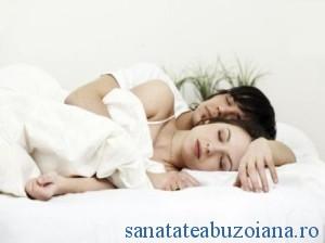 somn-linistit-pe-saltele-bio-18334801