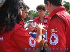 Crucea-rosie-voluntari_9606