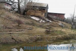 Bisoca-alunecare-teren1