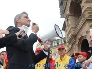 ministrul Muncii, Dragos Pislaru, discutand cu sindicalistii02