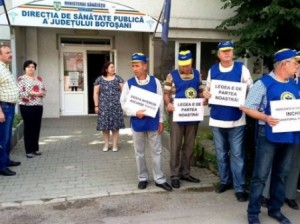 protestul salariatilor sanatoriului, in fata DSP Botosani